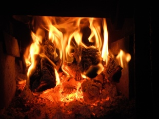 fire in the wood stove - hottt hott hott when its cold cold cold outside....