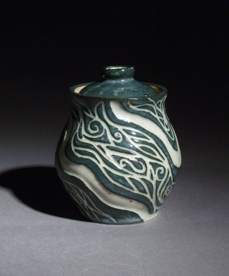 sgraffito_jar_by_elf2tiny